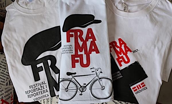 Majice za framafuiste sa tri prva dosadašnja festivala / Fotografija Božica Brkan