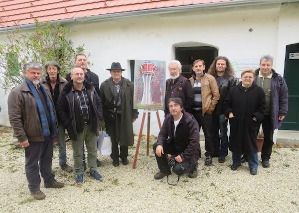 Hrvatski književnici na kraju gostovanja u Koljnofu s domaćinom Franjom Pajrićem / Fotografija Oblizeki
