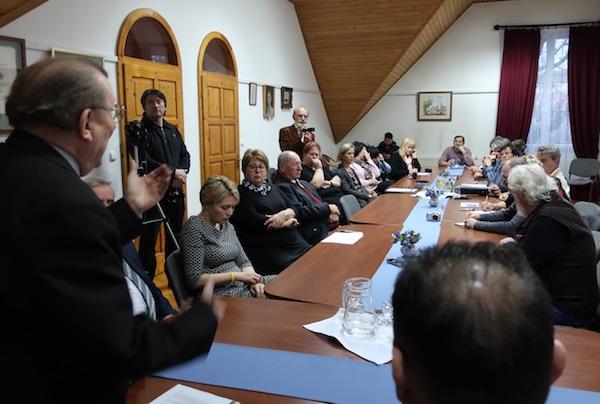 S okrugloga stola o pučkom kazaliđtu kao čuvaru nacionalnoga jezika, hrvatkoga u Austriji i Mađarskoj / Fotografija Božica Brkan
