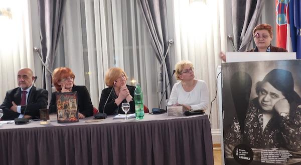 S tribune o Zagorki, novinarka iknjiževnici (Fotografija Miljenko Brezak)