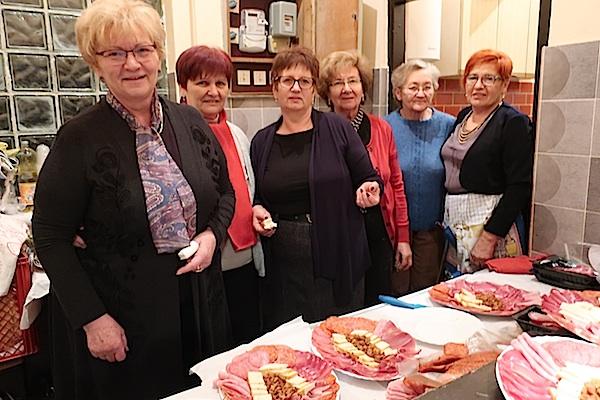 Kao na moslavačkoj svadbi: kuharice s oblizekima / Fotografija Božica Brkan