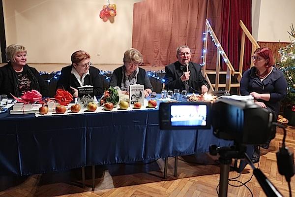 S predstavljanja slijeva nadesno: slavica Moslavac, Božica Brkan, Katarina Brkić, Đuro Vidmarović i Ivana Posavec Krivec / Fotografija Miljenko Brezak