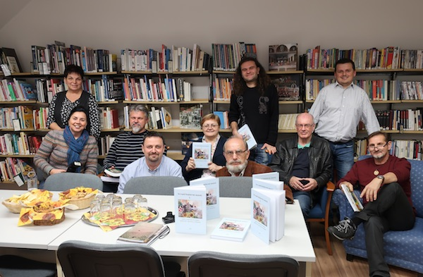 S predstavljanja zbornika u petrovu Selu / Fotografija Miljenko Brezak