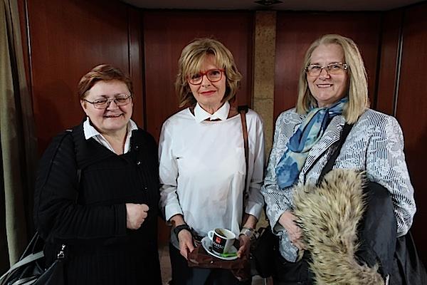 Poslije predstave u Vidri s Biserkom Ipšom Božica Brkan i Milka Bunjevac / Fotografija Miljenko Brezak