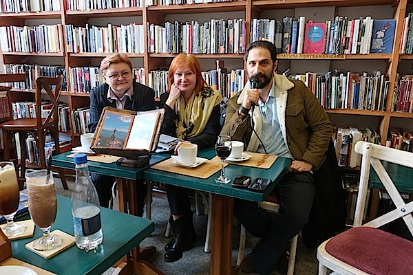S prvoga predstavljanja u knjižari-kafeu Luvina: Božica Brkan, Željka Lovrenčić i Eduardo Bechara Navratilova