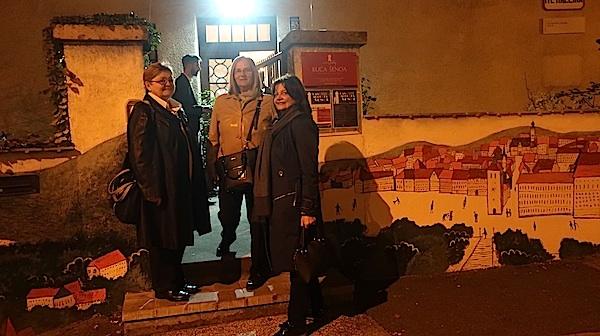 Do idućeg susreta u Kući Šenoa: Božica brkan, Milka Bunjevac i Anamaria Šmajdar / Fotografija Miljenko Brezak