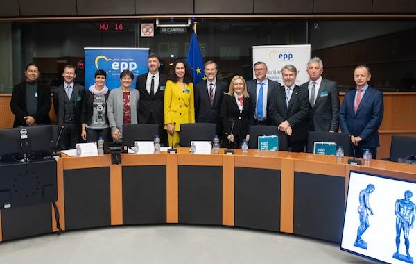 Apoksiomen u Europskom parlamentu (Fotografija Laurent Louis)