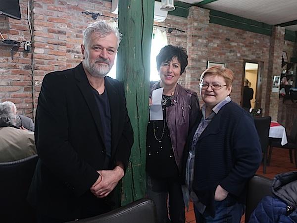 Stanko i Diana Ferić te Božica Brkan na Višnjici (Fotografija Miljenko Brezak)