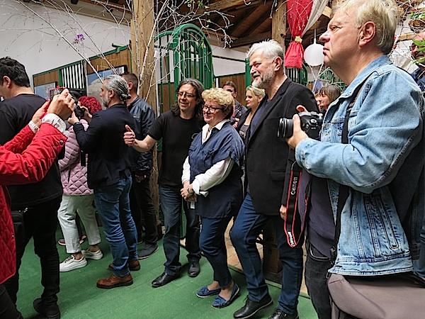 S otvorenja izložbe: organizatori Goran Gazdek, Ksenija Plantak i autor Stanko Ferić (Fotografija Božica Brkan)