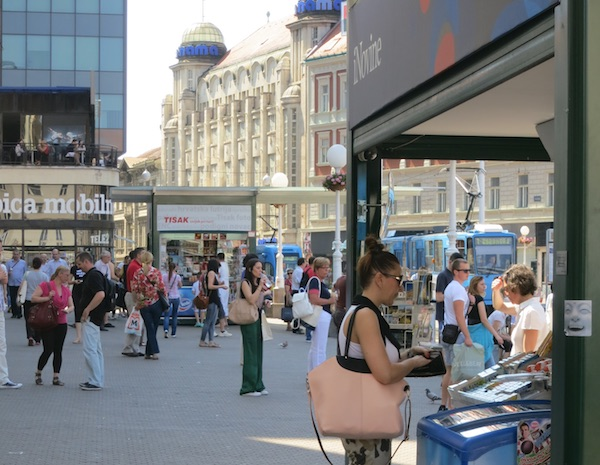 Kiosk na Trgu bana Josipa Jelačića / Ja trgovac magazin