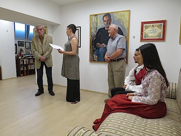 Zahvala Grada Samoboru svome pjesniku Joži Prudeusu u sobi s njegovim darom gradu i ljudima (Fotofrafija Božica Brkan)