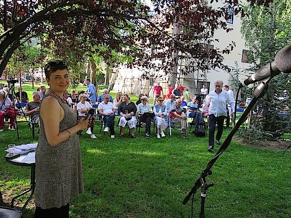 Valentina Čebušnik Dorotić, organizatorica ogovodišnje Ljubice s dijelom pjesnika-publike (Fotografija Božica Brkan)