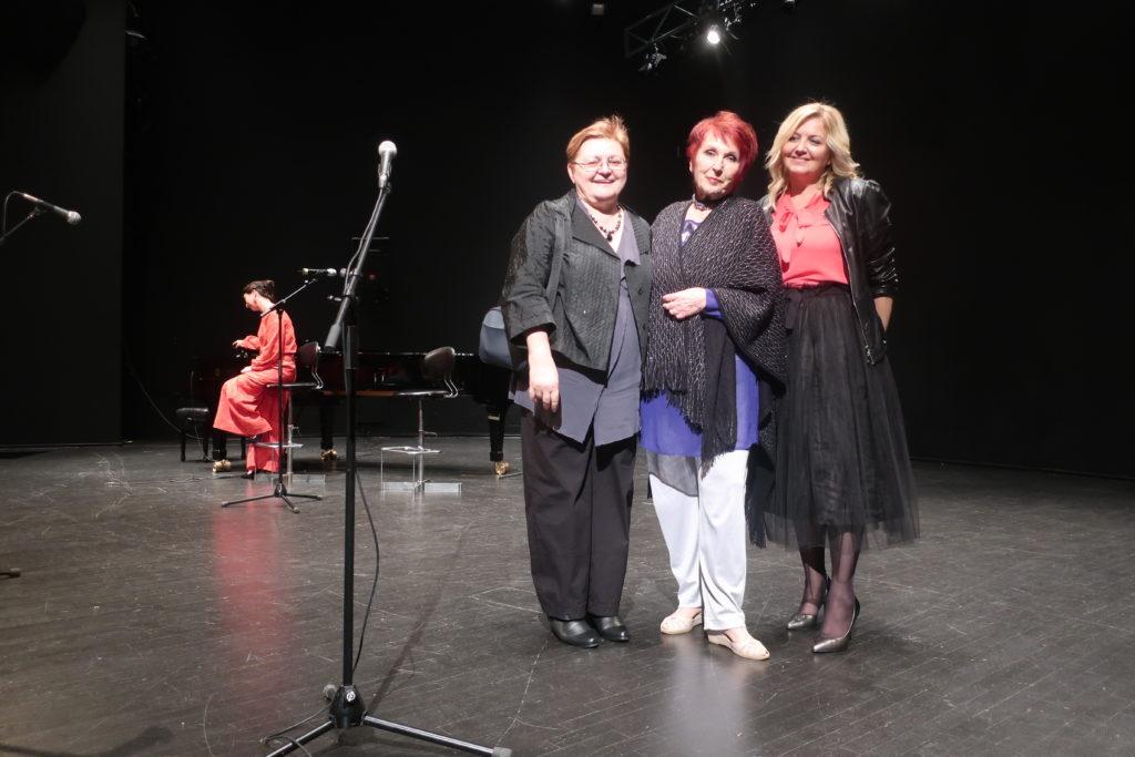 Zadovoljstvo pošto su se izredale sve pjesnikinje sa svojim pjesmama / Fotografija Miljenko Brezak